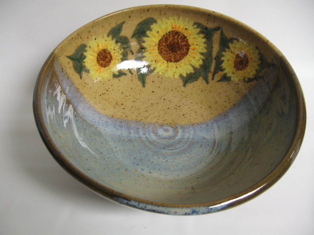 Sunflower serving bowl